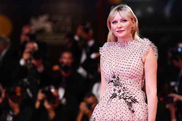 Kirsten Dunst「Three Billboards Outside Ebbing, Missouri Premiere - 74th Venice Film Festival」:写真・画像(14)[壁紙.com]