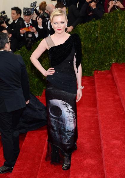 """Kirsten Dunst「""""Charles James: Beyond Fashion"""" Costume Institute Gala - Arrivals」:写真・画像(18)[壁紙.com]"""