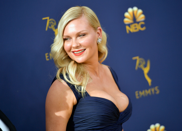Kirsten Dunst「70th Emmy Awards - Arrivals」:写真・画像(1)[壁紙.com]