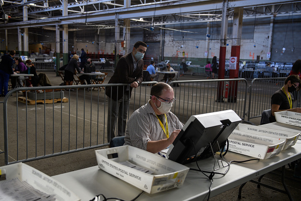 Pennsylvania「Allegheny County Election Officials Continue Counting Ballots」:写真・画像(2)[壁紙.com]