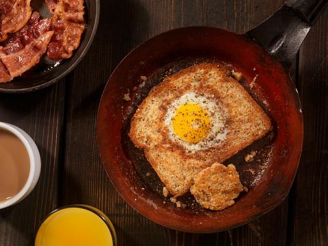 スコットランド文化「片面目玉焼き卵のホール、ベーコン」:スマホ壁紙(9)