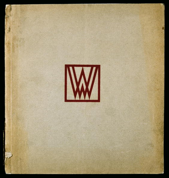 Monogram「The catalog of the Wiener Werkstaette on the 25th jubilee, monogrammed with the red WW-printer's imprint of the Wiener Werkstaette. Krystall-Verlag, Vienna. Print: J. Gerstmayer, Vienna. Letterpress printing. 1928.」:写真・画像(5)[壁紙.com]