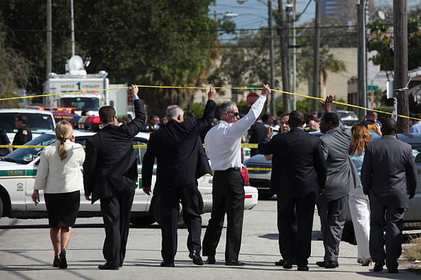 Two Police Officers Shot In Miami:ニュース(壁紙.com)