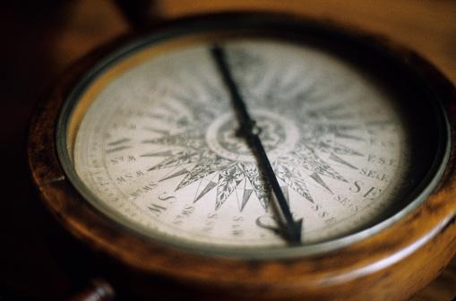19th Century「19th century Magnetic compass, close-up」:スマホ壁紙(6)