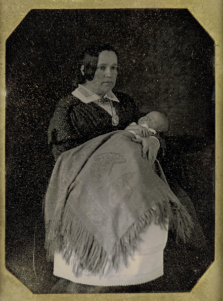 Photography「Mrs Thomas Ustick Walter And Her Deceased Child」:写真・画像(1)[壁紙.com]