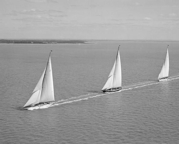 船・ヨット「Yacht Racing At Cowes」:写真・画像(14)[壁紙.com]