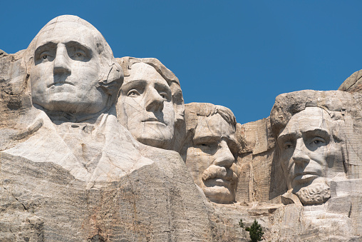 Carving - Craft Product「USA, South Dakota, Mount Rushmore against clear sky」:スマホ壁紙(12)