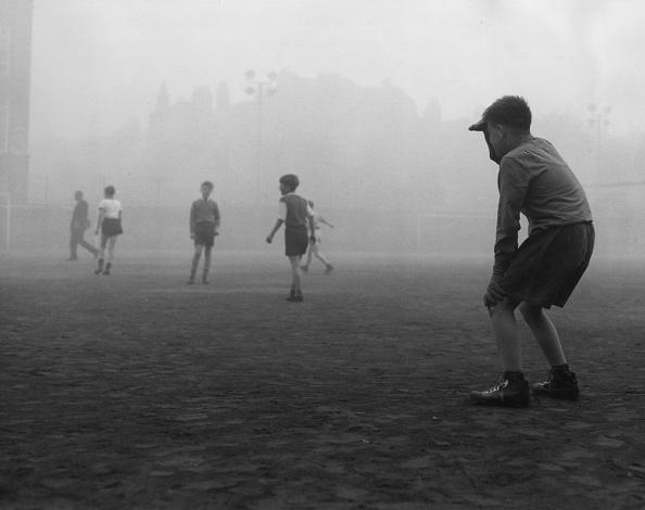 Soccer「Foggy Football」:写真・画像(18)[壁紙.com]