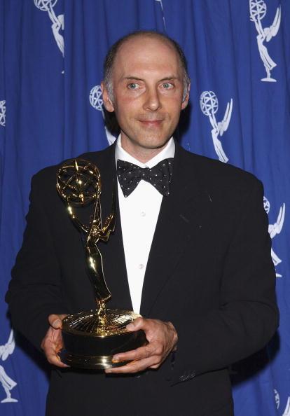 ダン カステラネタ「2004 Primetime Creative Arts Emmy Awards - Pressroom」:写真・画像(4)[壁紙.com]