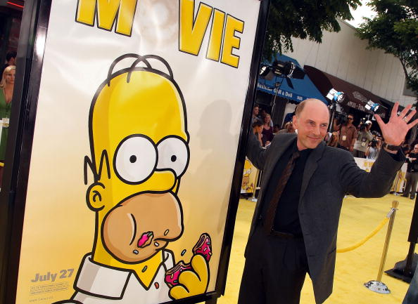 ダン カステラネタ「LA Premiere Of 20th Century Fox's 'The Simpsons Movie' - Arrivals」:写真・画像(5)[壁紙.com]