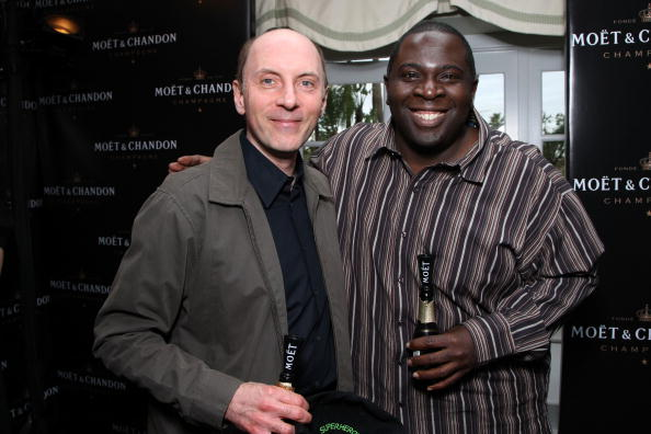 ダン カステラネタ「Moet & Chandon At The Luxury Lounge In Honor Of The 2008 SAG Awards - Day 1」:写真・画像(1)[壁紙.com]