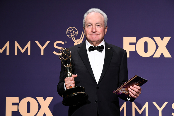 Looking At Camera「71st Emmy Awards - Press Room」:写真・画像(13)[壁紙.com]