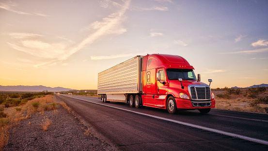 Image「Long Haul Semi Truck On a Rural Western USA Interstate Highway」:スマホ壁紙(15)