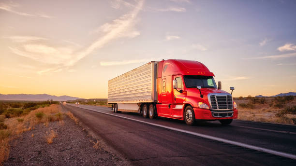Long Haul Semi Truck On a Rural Western USA Interstate Highway:スマホ壁紙(壁紙.com)