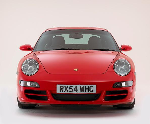 Facade「2004 Porsche 911 Carrera 2 S」:写真・画像(6)[壁紙.com]