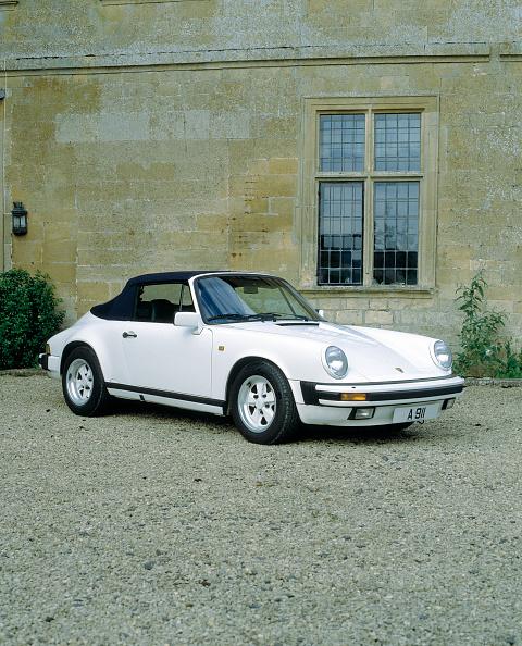 Finance and Economy「1988 Porsche 911 Carrera Cabriolet」:写真・画像(10)[壁紙.com]