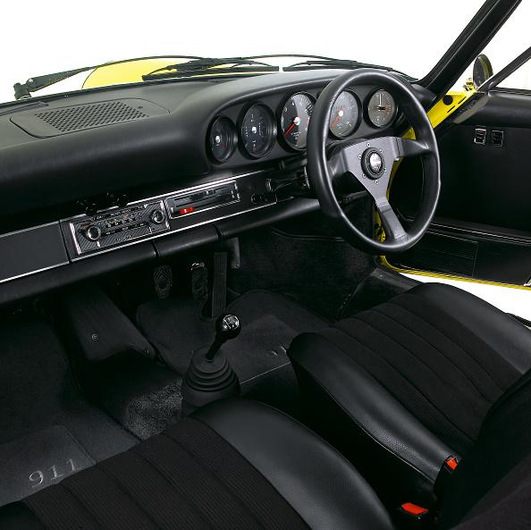 Yellow「1973 Porsche 911 Carrera RS 2.7」:写真・画像(0)[壁紙.com]