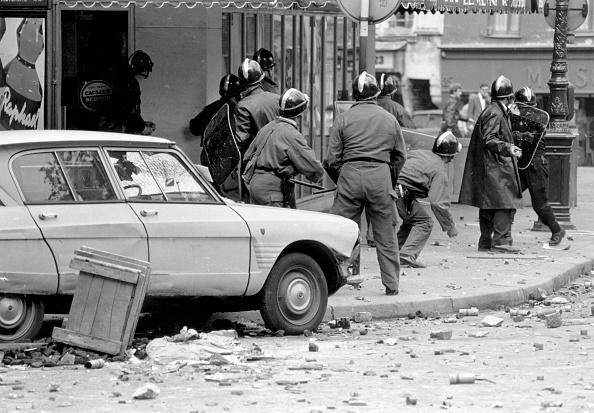 Reg Lancaster「Paris Uprising」:写真・画像(17)[壁紙.com]