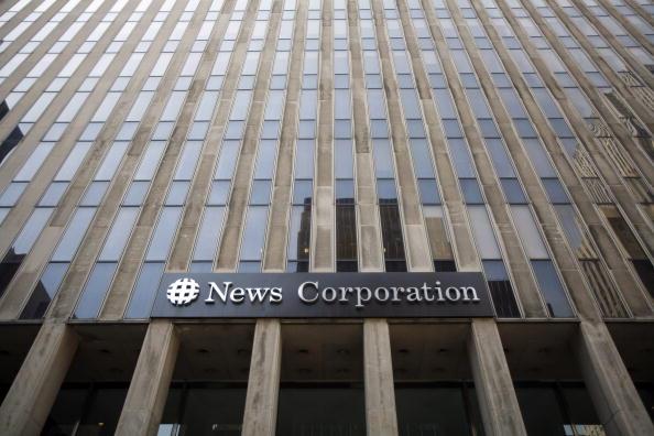 Dow Jones Industrial Average「News Corp Makes Unsolicited Bid For WSJ Parent Dow Jones」:写真・画像(11)[壁紙.com]