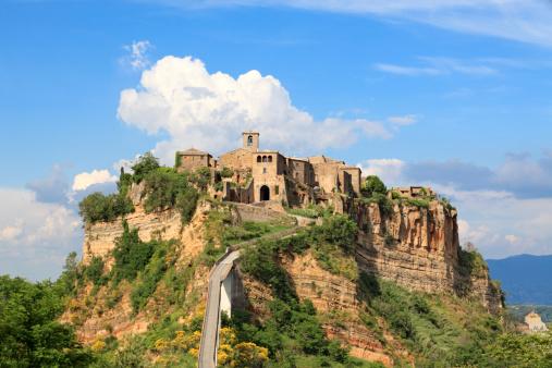 Steep「Panorama of Civita di Bagnoregio, Lazio Italy」:スマホ壁紙(5)