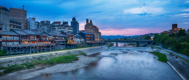 京都市「Panorama of Kamogawa river evening, Kyoto, Japan」:スマホ壁紙(4)