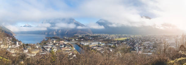 Panorama of an small town on an lake:スマホ壁紙(壁紙.com)