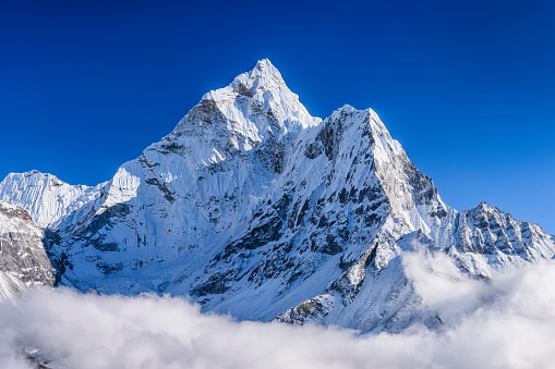 Ama Dablam「Panorama of beautiful Mount Ama Dablam in  Himalayas, Nepal」:スマホ壁紙(6)