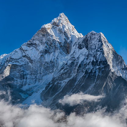 Ama Dablam「Panorama of beautiful  Mount Ama Dablam in  Himalayas, Nepal」:スマホ壁紙(2)