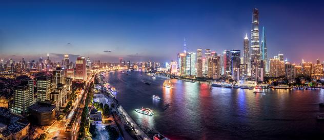 Shanghai「Panorama of Shanghai Skyline at Dusk」:スマホ壁紙(3)