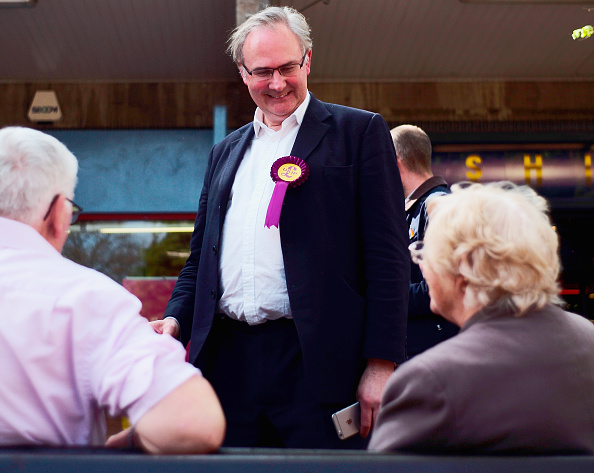 Christopher Furlong「UKIP Candidate William Cash Out On The Campaign Trail」:写真・画像(6)[壁紙.com]
