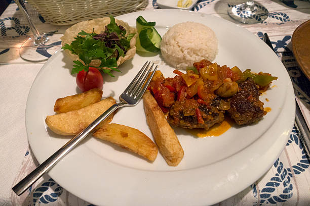 Turkish meatballs kofta at a beach restaurant:スマホ壁紙(壁紙.com)