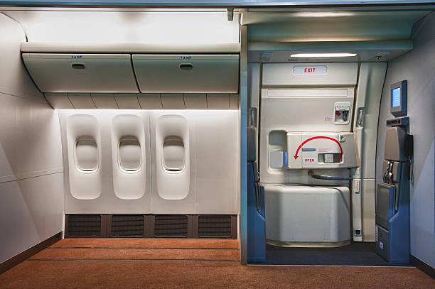 Airplane interior:スマホ壁紙(壁紙.com)