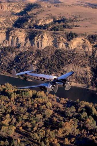 Beechcraft「Airplane in flight」:スマホ壁紙(13)