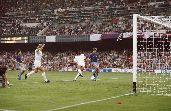 Milan「1989 European Cup Final AC Milan v Steaua Bucharest」:写真・画像(9)[壁紙.com]