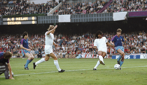 Milan「1989 European Cup Final AC Milan v Steaua Bucharest」:写真・画像(1)[壁紙.com]