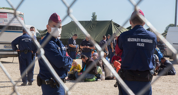 2015-2016 European Migrant Crisis「Migrants Continue To Arrive In Hungary」:写真・画像(4)[壁紙.com]