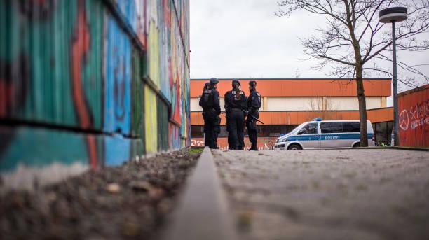 The Knife「Teenager Murders Fellow Classmate At School In Germany」:写真・画像(13)[壁紙.com]