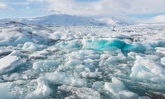 北極「Icebergs」:スマホ壁紙(13)