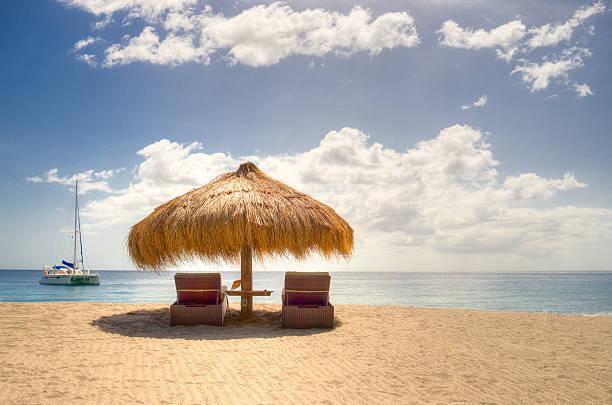 Sun umbrella and sun loungers, Anse Chastanet beach, Saint Lucia, Caribbean:スマホ壁紙(壁紙.com)