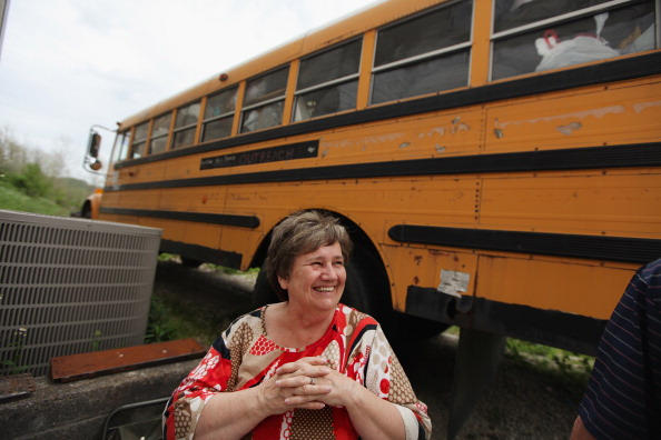School Bus「An Appalachian County's Community Bonds Help Overcome Challenge Of Poverty」:写真・画像(3)[壁紙.com]