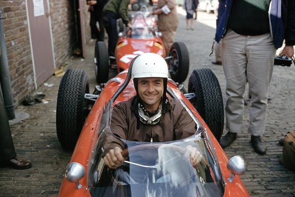 Race Car Driver「Phil Hill Waits」:写真・画像(10)[壁紙.com]