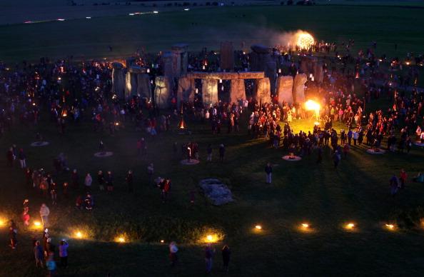 UNESCO World Heritage Site「Salisbury International Arts Festival Hosts The Fire Garden At Stonehenge」:写真・画像(8)[壁紙.com]