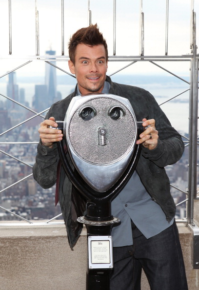 Empire State Building「Josh Duhamel And Julianne Hough Visit The Empire State Building」:写真・画像(8)[壁紙.com]