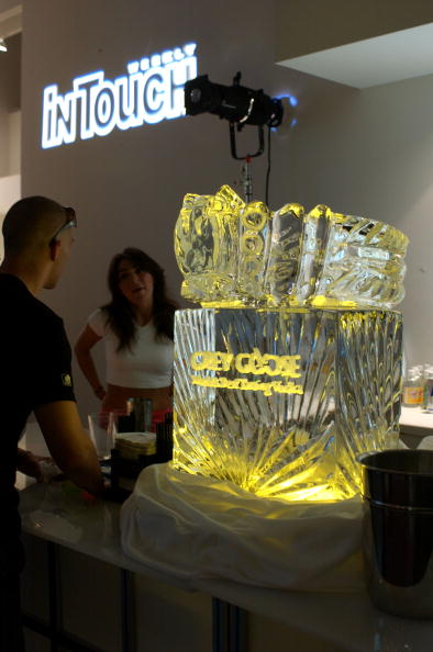 Ice Sculpture「Mercedes Benz Fashion Week:  Judith Ripka/In Touch Weekly Party」:写真・画像(14)[壁紙.com]