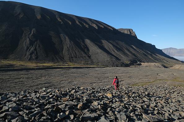 Melting「Summer Heat Wave Hits Svalbard Archipelago, Far North Of The Arctic Circle」:写真・画像(10)[壁紙.com]