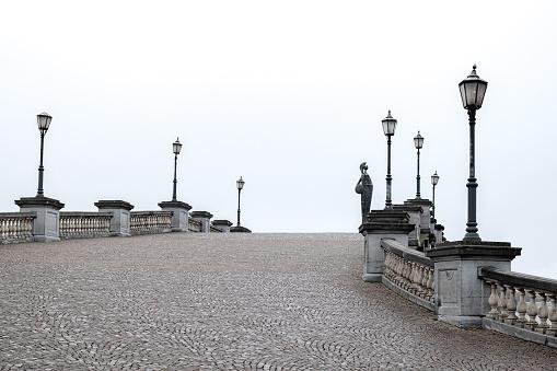 Belgium「Cobblestone bridge,  Antwerp, Belgium」:スマホ壁紙(8)