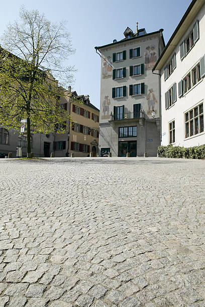 Cobblestone plaza and buildings, Zurich, Switzerland:スマホ壁紙(壁紙.com)