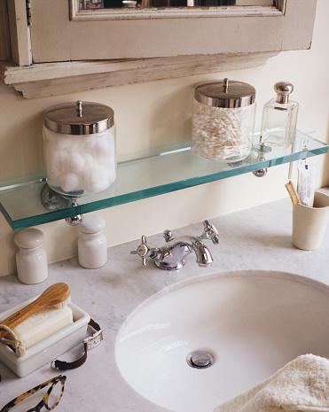 1990-1999「Marble Countertop on Bathroom Vanity」:スマホ壁紙(4)