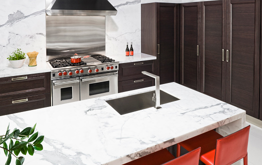 Gulf Coast States「Marble countertop in modern kitchen」:スマホ壁紙(9)
