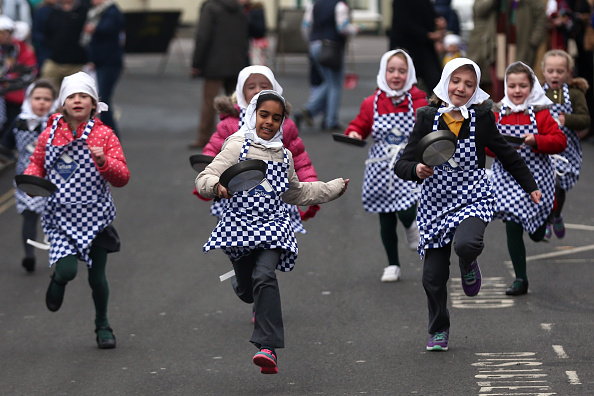 Participant「The Annual Olney Pancake Race」:写真・画像(7)[壁紙.com]